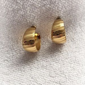 Gold Toned Striped Earrings